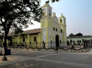 honduras-17-gracias-una-ciudad-colonial-la-nueva-iglesia